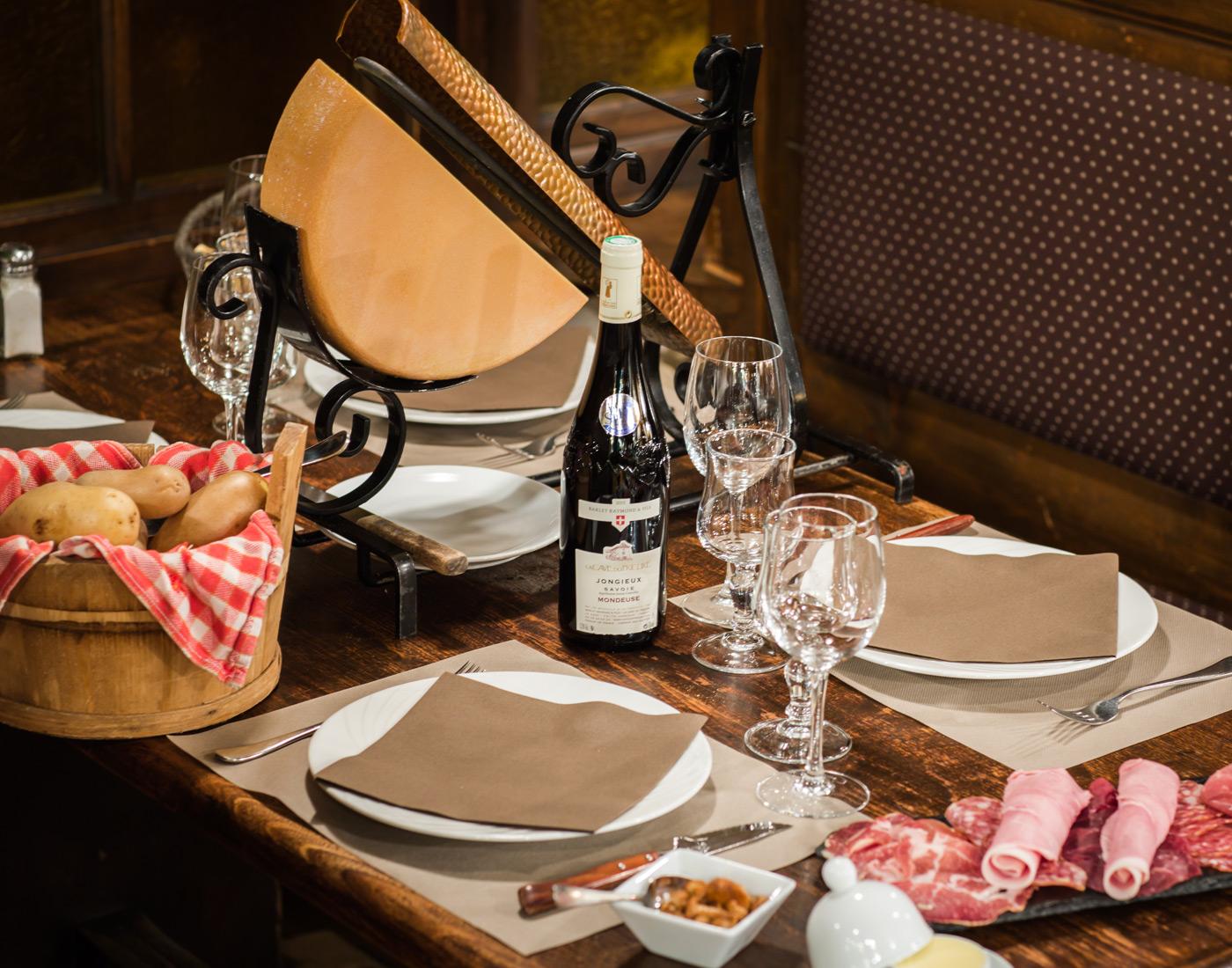 Modele De Bar Pour Cuisine home - restaurant l'Étale, morzine